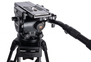 Miller unveils light tripod head ArrowX 1
