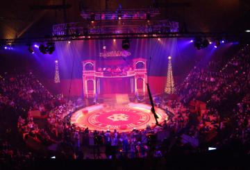 Robe LEDWash 600s for Roncalli Circus