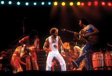 Thunderous end to Earth, Wind & Fire concert