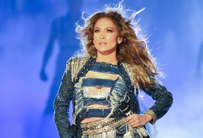 J.Lo performs at Dubai World Cup