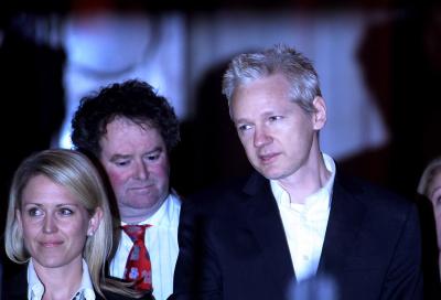 Wikileaks app gets Apple Store axe