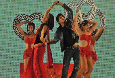 Etisalat ties up UTV Bollywood deal