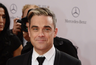 VIDEO: Robbie Williams reaches out to fans