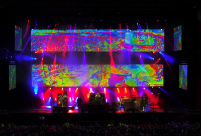 Stone Roses heat up Heaton Park with XL Video