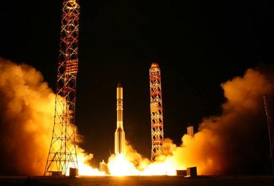NMC and YahSat discuss satellite cooperation
