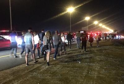 Fans blast organisation of Gun N' Roses concert