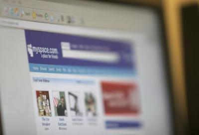 MySpace overhauls music services, ties with iTunes