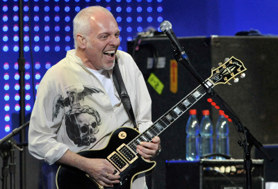Stage collapses at Peter Frampton concert
