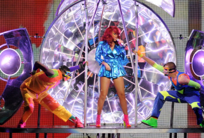 VIDEO: Fire on stage at Rihanna gig