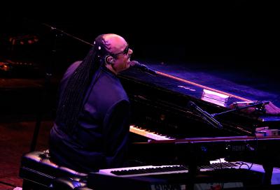 Stevie Wonder, Eric Clapton to grace Yas Arena