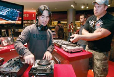 Pioneer targets nightclub operators