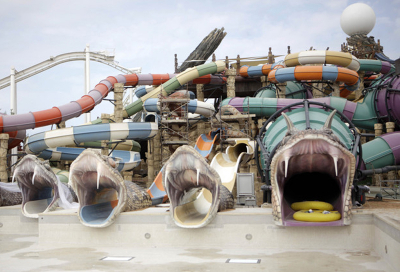 VIDEO: Oasis Architainment flows at Yas Waterworld