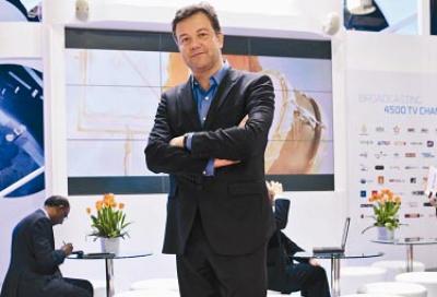 Eutelsat opens Dubai office; promotes new Sat