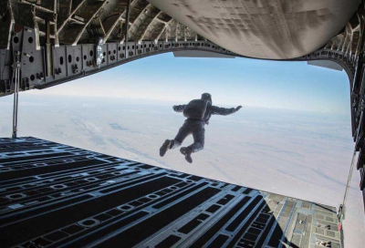 Tom Cruise spent three weeks in Abu Dhabi rehearsing for Halo jump