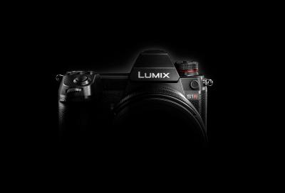 Panasonic debuts two models of first full-frame mirrorless camera