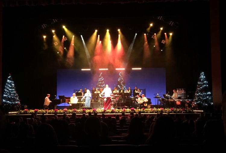 Jingle Bell Favourites rocks Dubai Opera