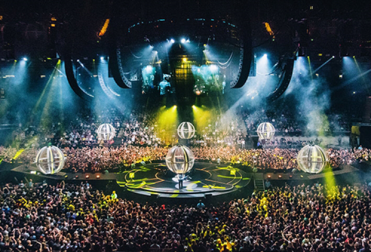 BlackTrax flies high for Muse worldwide arena tour
