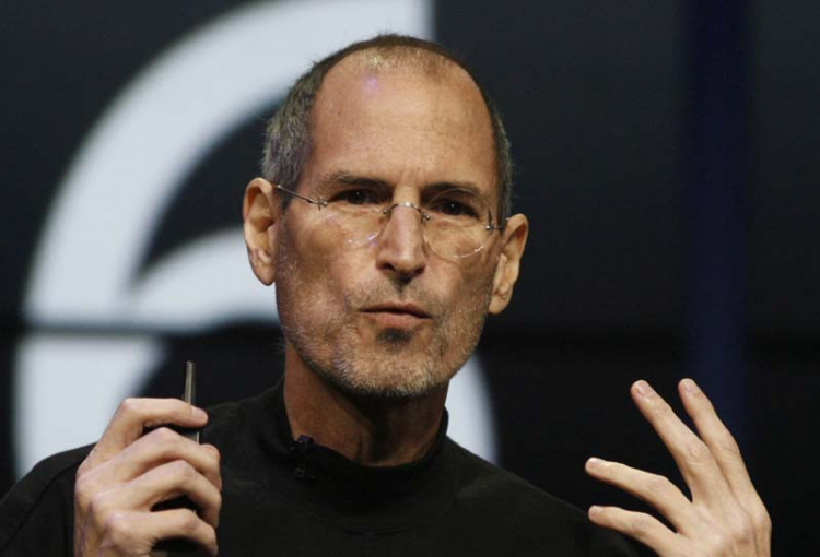 Jobs quits job at Apple