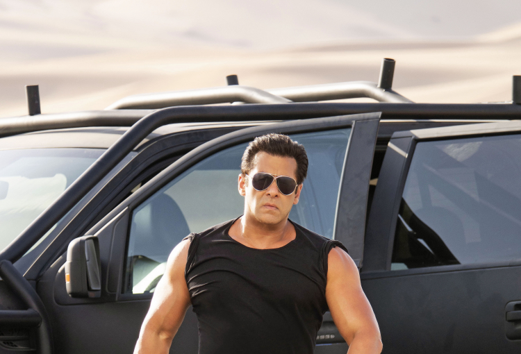 IN PICS: RACE 3 cast on location in Abu Dhabi