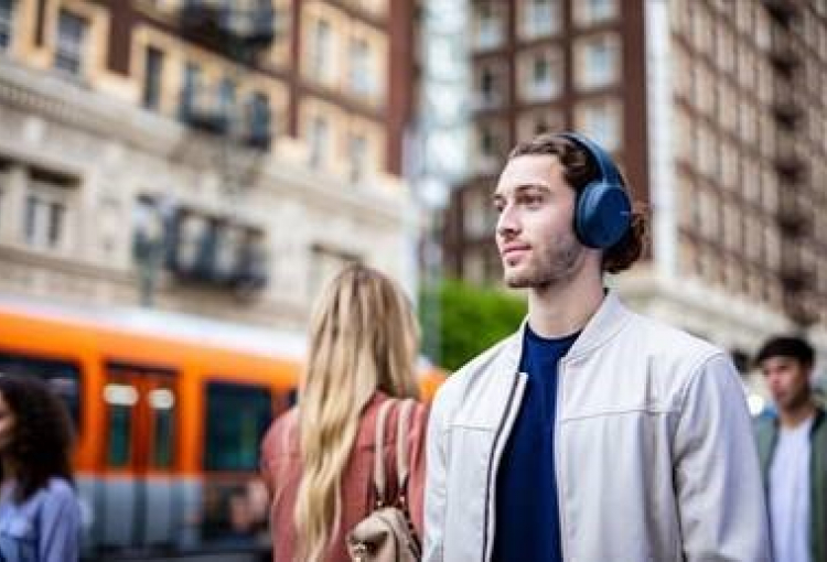 Sony launches new noise cancelling headphones