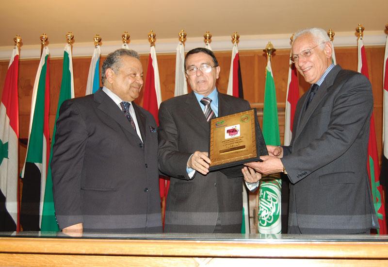 APUTV heads with the Syrian Minister of Culture, Dr. Riad Na'san Agha (centre).