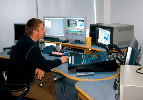 Newsrooms adopting tapeless technology enable simultaneous access to the same data.
