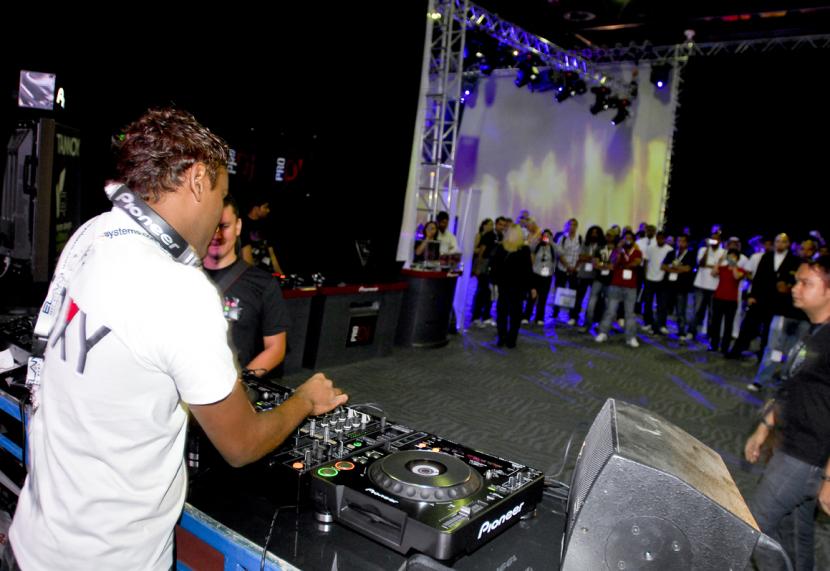 Denon, Denon DJ, DJ, DJ software, DN-HC5000, HIDI, Itch, Itch 1.0, Itch 1.1, Itch 2.0, Scratch, Serato, Latest Products