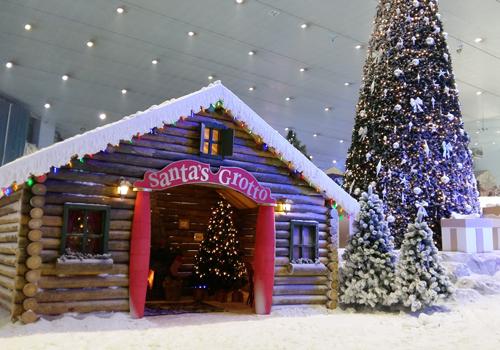 The 'Santa's Grotto' at Ski Dubai.