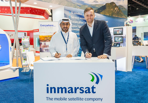 Paul Gudonis and Abdullah Sulaiman at the signing ceremony during day one of CABSAT.
