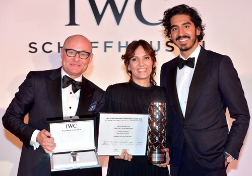 Layla Kaylif receives the award at DIFF 2015.