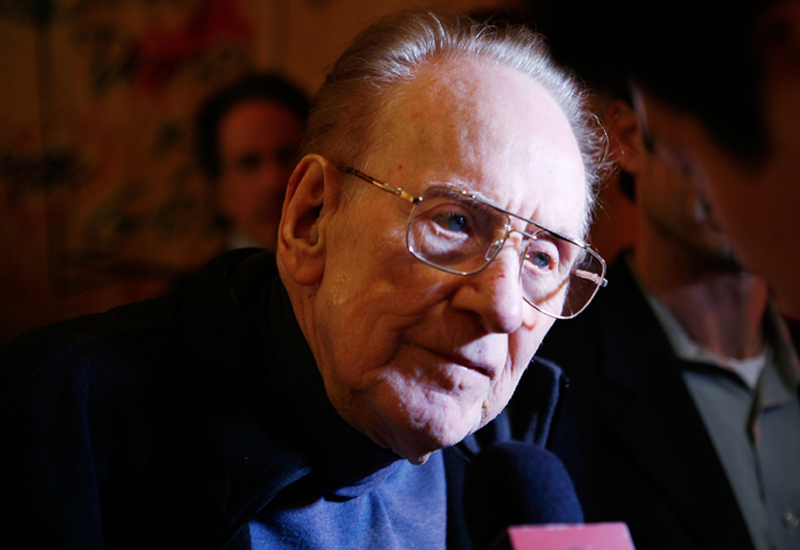 Rock and roll hall of famer, Les Paul.