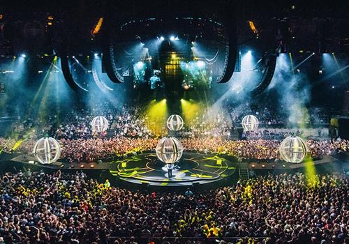 Muse 'Drones' O2 Arena concert in full swing (Image © Hans-Peter van Velthoven)