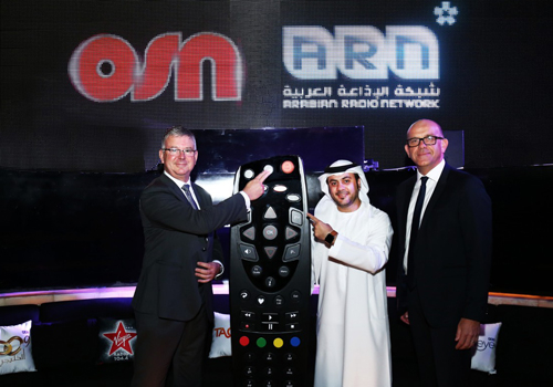 (L-R) OSN's David Butorac with ARN's Mahmoud Al Rasheed and Steve Smith.