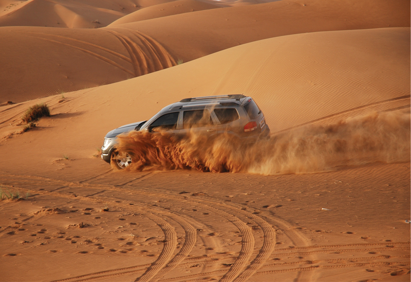 The fact that the UAE's beautiful desert landscape is only a short drive from Dubai city makes the locale even more appealing for producers of car com