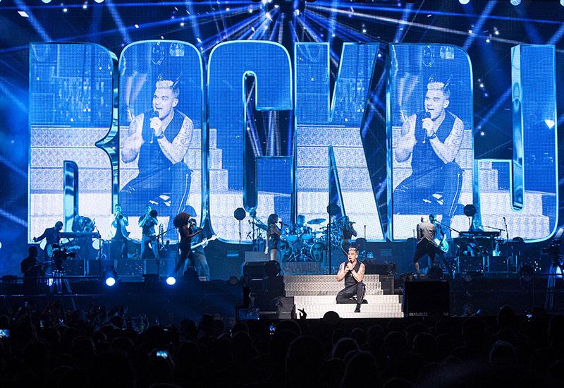 2015, Abu Dhabi, Concert, Du Arena, Dubai, Flash, Let Me Entertain You, Music, Robbie Williams, Take that, Tour, Analysis, Broadcast Business