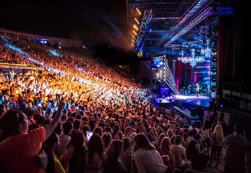 Tarkan takes the stage at the 4000-capacity Cemil Topuzlu Open Air Theatre.