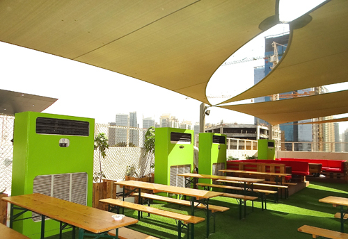 Flow Air & Power beats the heat at the Media One Hotel's Garden on 8 venue.