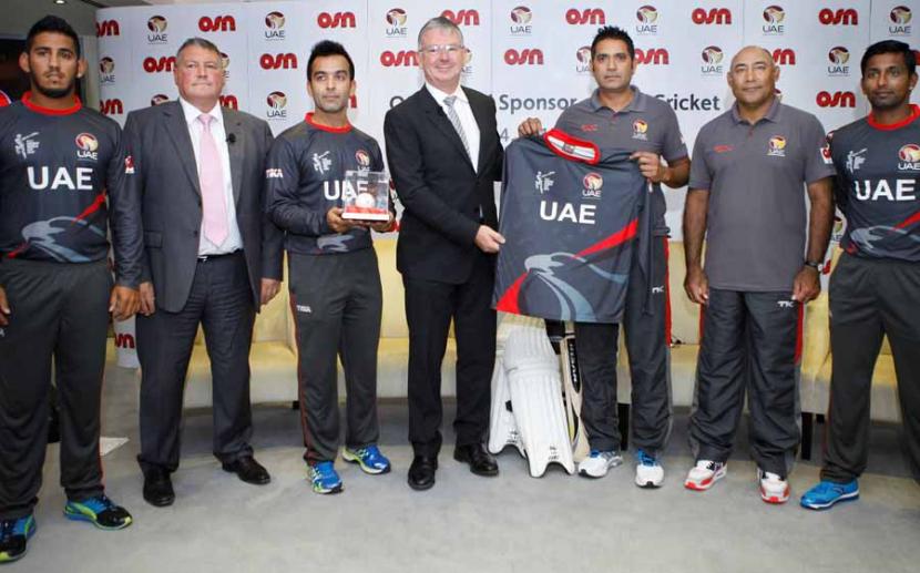 David Butorac with members of the UAE cricket team.