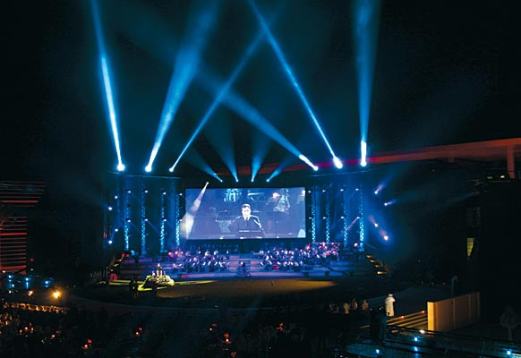 The Zayed University gala event utilised a massive digital display provided by DAI and Rave.