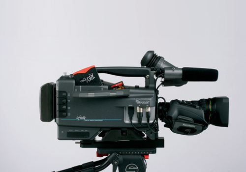 Thomson Grassvalley uses the Xensium CMOS sensor in its Infinity Digital Media Camcorder (DMC), which it claims provides performance that rivals CCD t