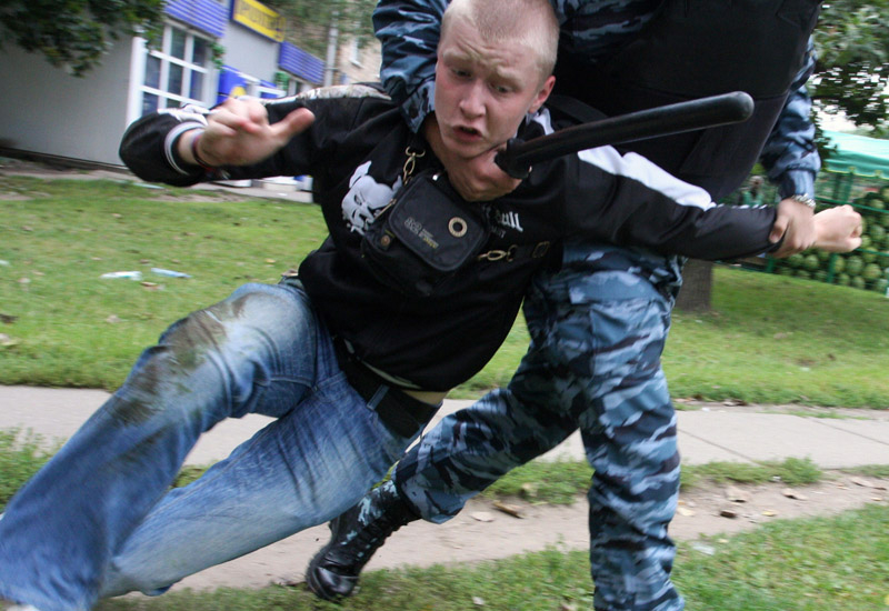 Crowds, Music festival, Russia, Security, Skinheads, Violence, News, International News