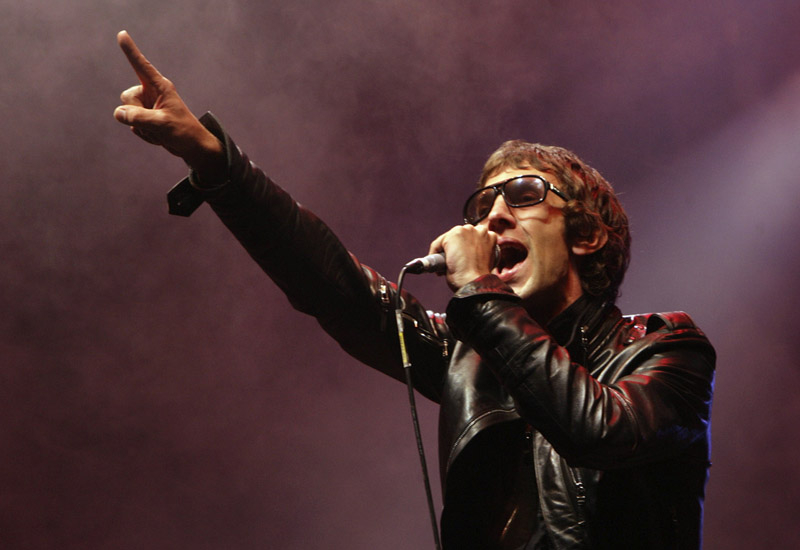 The Verve's manager said vocal problems were to blame for the the shortened set at the Splendour festival.