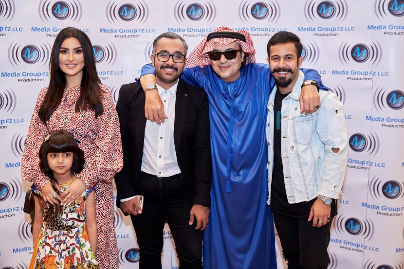 Mayssa Maghrebi with the cast of Wojooh Moharama