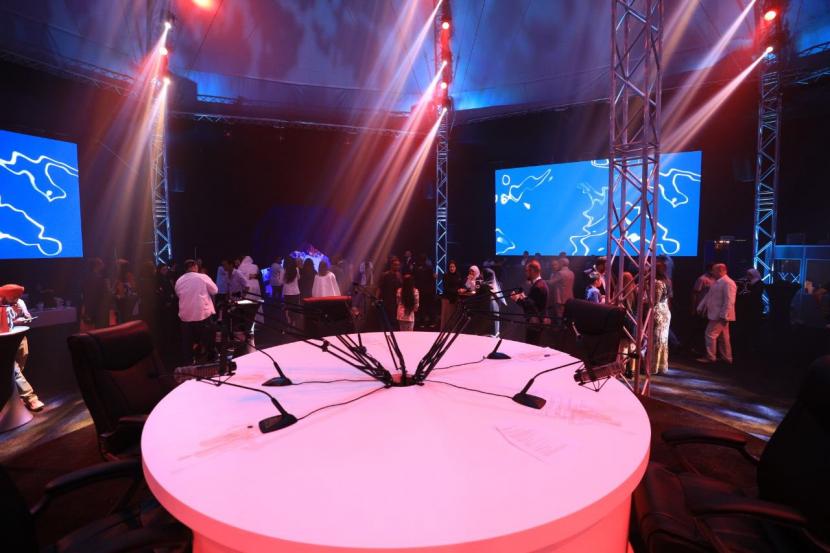 FM radio, Sharjah Media Corporation, Sharjah Amphitheatre, Sharjah, Radio launch, Channel launch