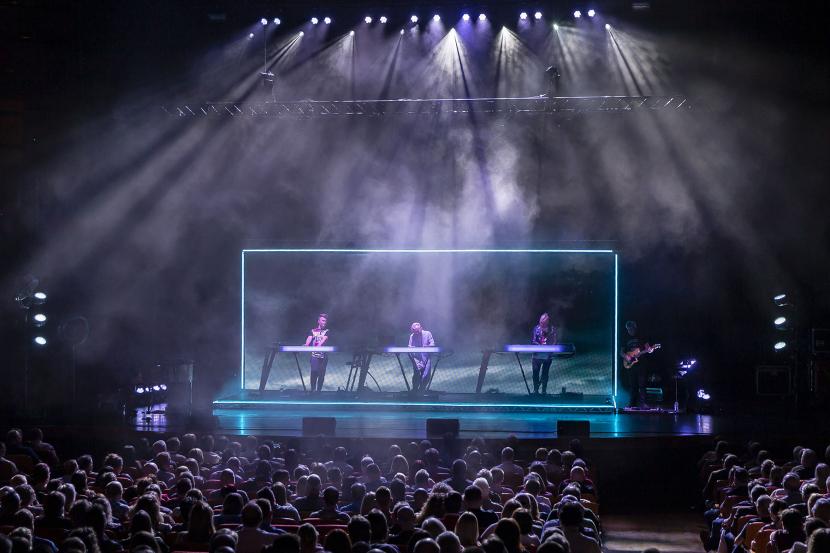 Robe Howard Jones concert, Lighting Howard Jones concert